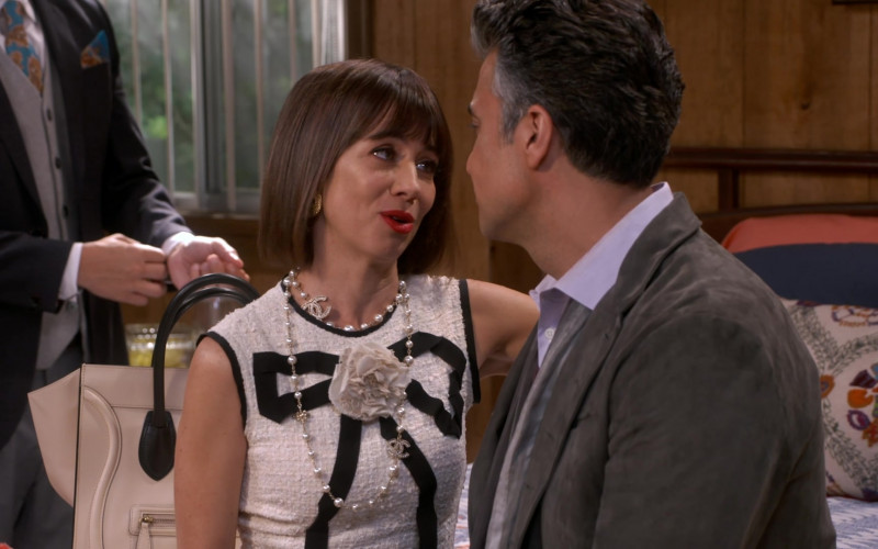 Chanel Pearl CC Necklace Worn by Natasha Leggero as Elizabeth in Broke S01E01 (1)