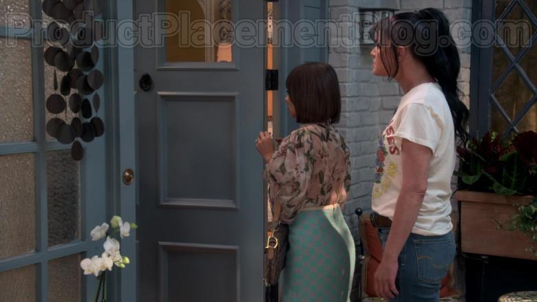 Chanel Skirt of Natasha Leggero in Broke S01E04 (5)