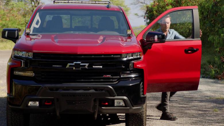Chevrolet Silverado LT Red Pickup Truck Driven by Alex O'Loughlin in Hawaii Five-0 S10E22 (6)