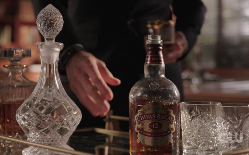 Chivas Regal 12 Year Old Whisky in Dynasty S03E17 (1)