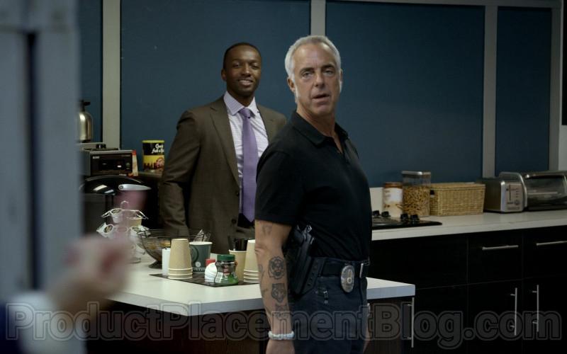 Chock full o'Nuts Coffee in Bosch S06E05