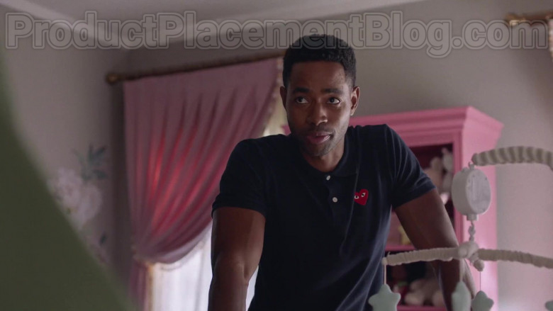 Comme des Garcons Play Polo Shirt of Jay Ellis as Lawrence in Insecure S04E04 Lowkey Losin' It (2020)