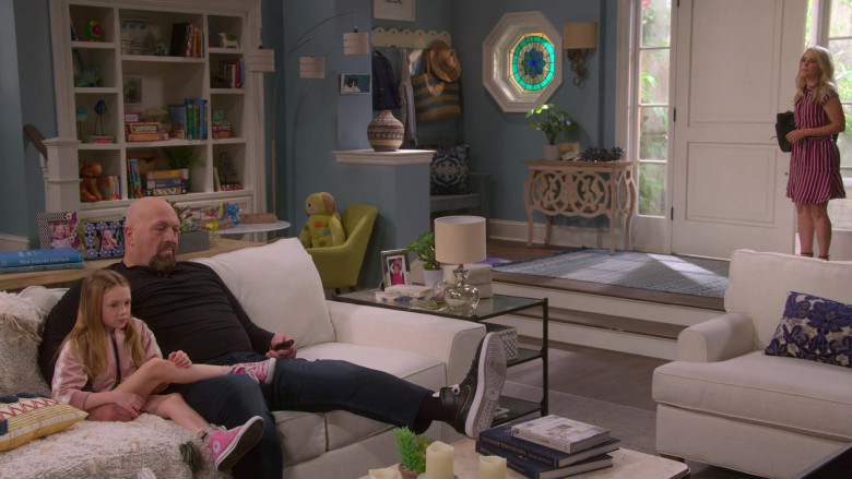 Converse Pink High Top Sneakers Worn by Juliet Donenfeld as J.J. in The Big Show Show S01E02 (3)