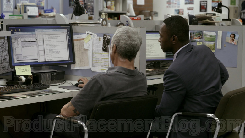 Dell Computer and Monitor of Titus Welliver in Bosch S06E06