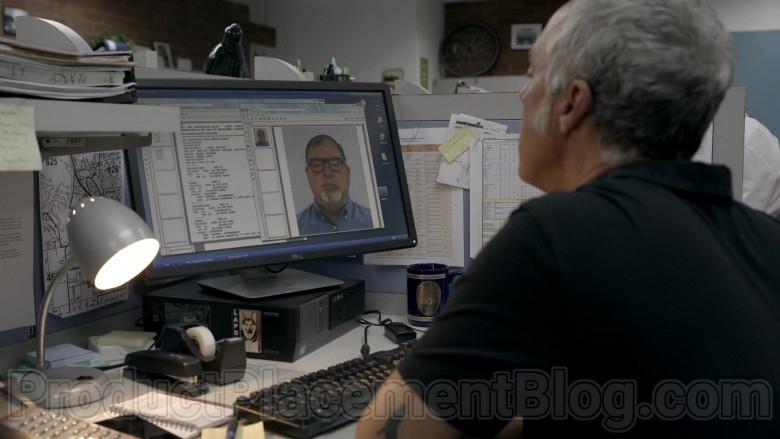 Dell Monitors in Bosch S06E01 The Overlook (2)