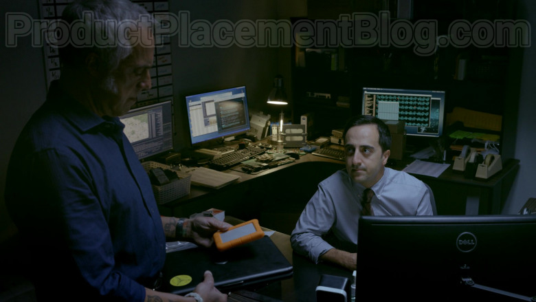 Dell Monitors in Bosch S06E08 Copy Cat (1)