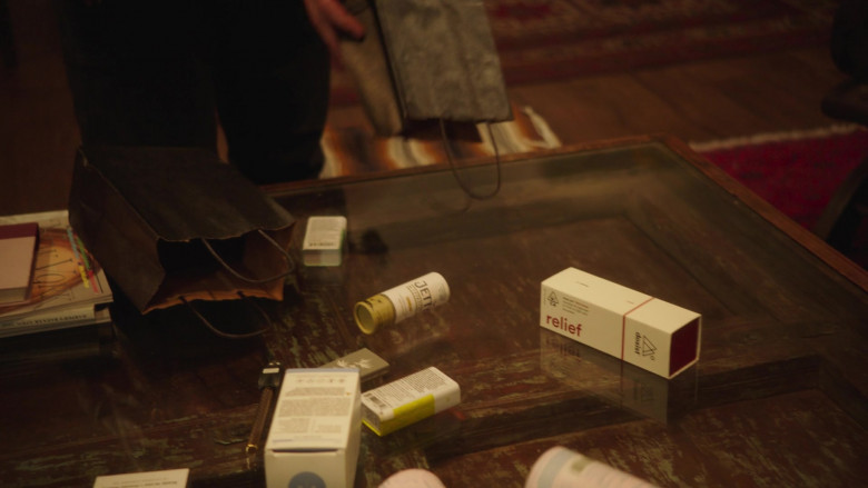 Dosist Relief Dose Pen (Cannabis Oil Vaporizer) in Better Things S04E07 (1)