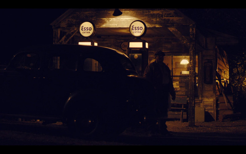 Esso Filling Station in The Plot Against America S01E04 (1)