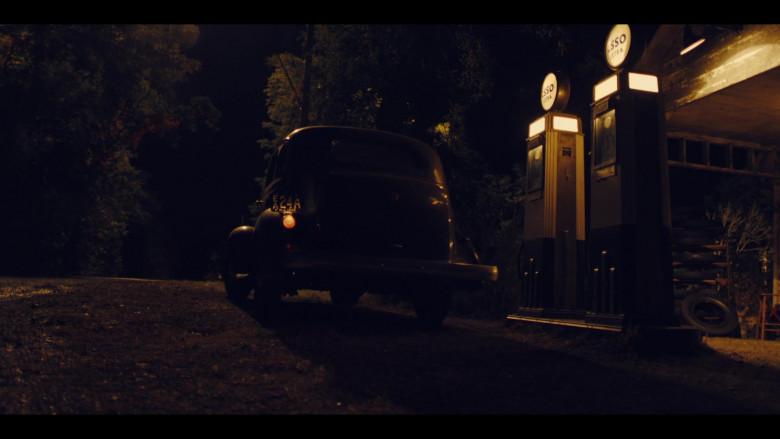 Esso Filling Station in The Plot Against America S01E04 (3)