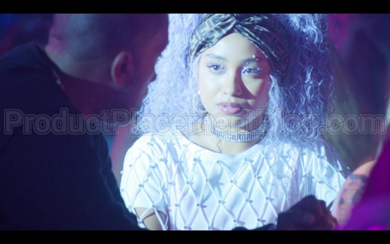 Fendi Scarf of Genneya Walton as Chloe Barris in #blackAF S01E02 (1)