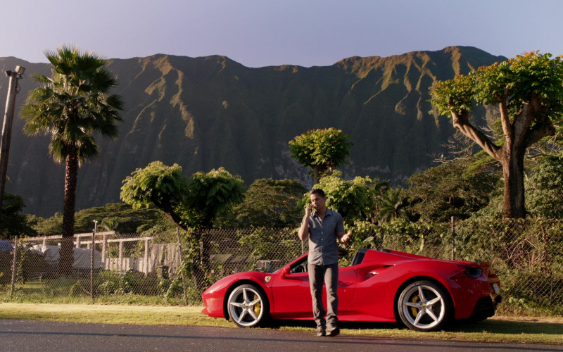 Ferrari Red Convertible Sports Car in Magnum P.I. S02E15 (2)