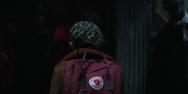 Fjallraven Kanken Backpack in Home Before Dark S01E04 (1)