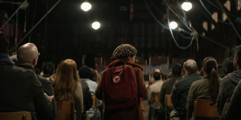 Fjallraven Kanken Backpack in Home Before Dark S01E04 (2)