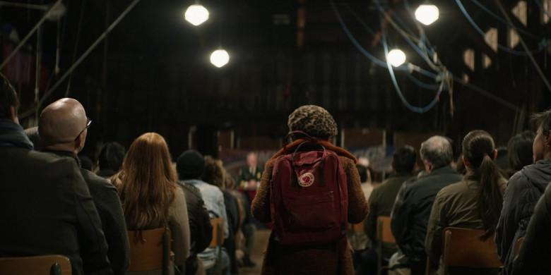 Fjallraven Kanken Backpack in Home Before Dark S01E04 (3)