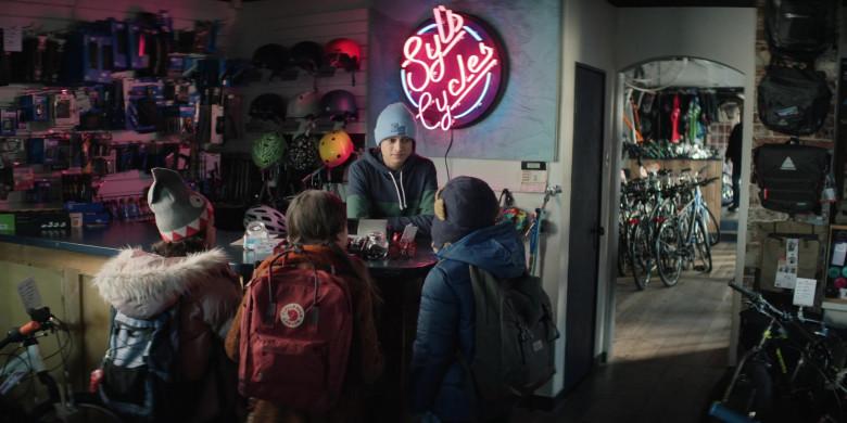 Fjallraven Kanken Backpack in Home Before Dark S01E08