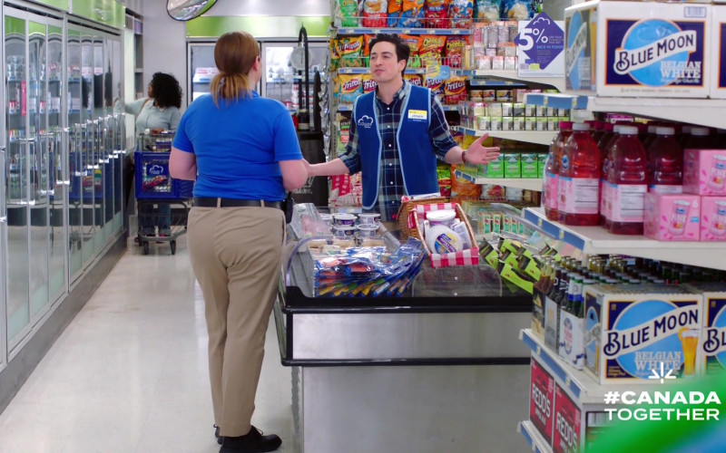 Fritos, Cheetos, Blue Moon in Superstore S05E21 California Part 1 (2020)