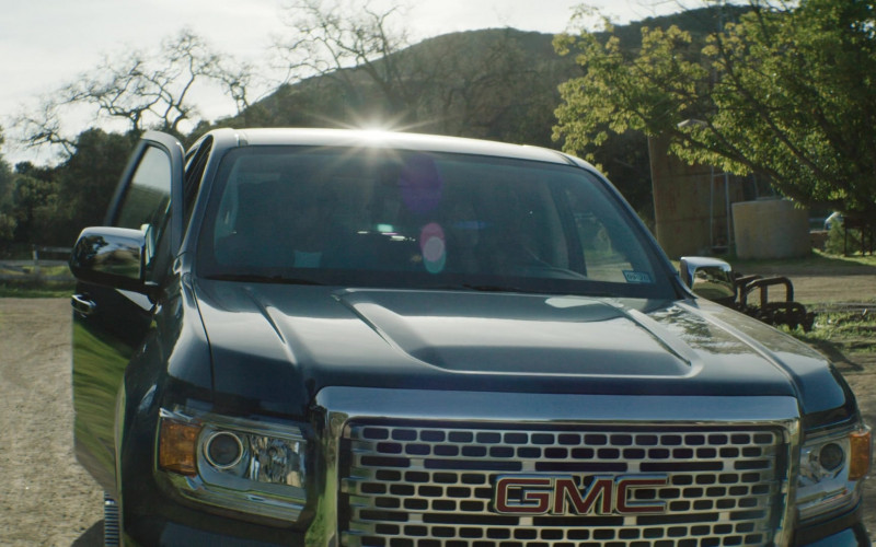 GMC Pickup Truck in SEAL Team S03E17 (1)