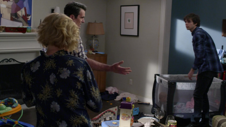 Graco Pack and Play Portable Baby Crib in Modern Family S11E17 (1)