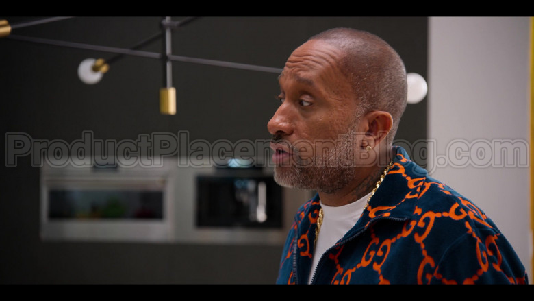 Gucci Jacket of Kenya Barris in #blackAF S01E07 (2020)