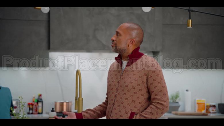 Gucci Men's GG Logo Zip-Front Turtleneck Sweater Of Kenya Barris in #blackAF Netflix TV Show (2)