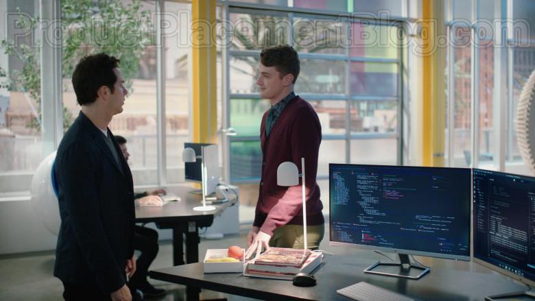 HP Monitors in Zoey's Extraordinary Playlist S01E10