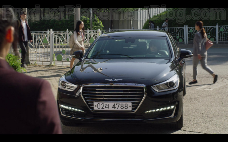 Hyundai Genesis Car in Extracurricular S01E05 (2020)