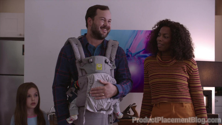 LÍLLÉbaby Serenity All Seasons Baby Carrier in The Last O.G. S03E02 (4)