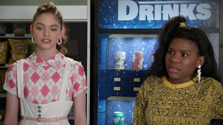 Lay's Chips, 7up and Slice Soda in Mixed-ish S01E20