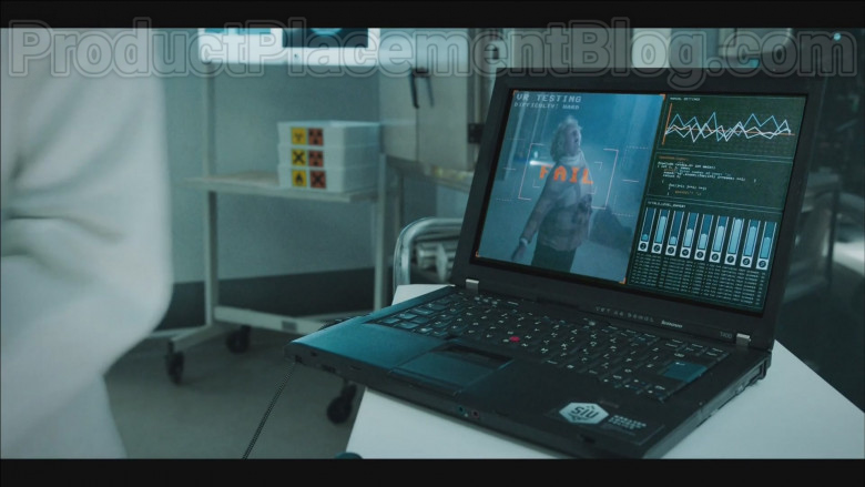 Lenovo T400 Laptop in Code 404 S01E02 (2020)