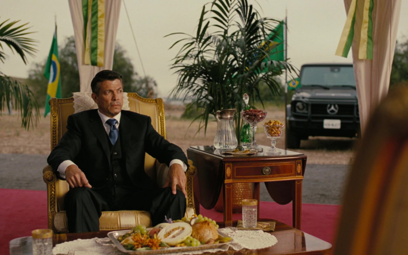 Mercedes-Benz G-Class Car in Westworld S03E05 (2)