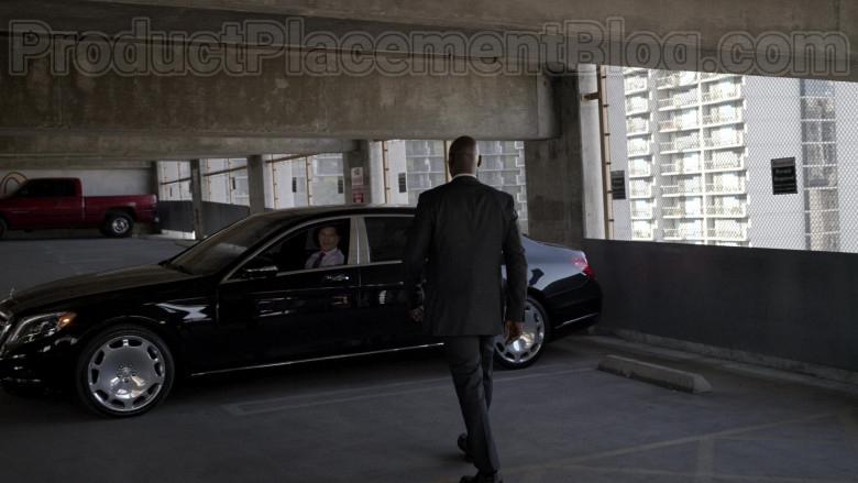 Mercedes-Maybach Luxury Car in Bosch S06E09 Dark Sacred Night (3)