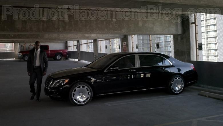 Mercedes-Maybach Luxury Car in Bosch S06E09 Dark Sacred Night (6)