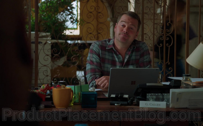 Microsoft Surface Laptop of G. Callen (played by Chris O'Donnell) in NCIS Los Angeles S11E22 (1)