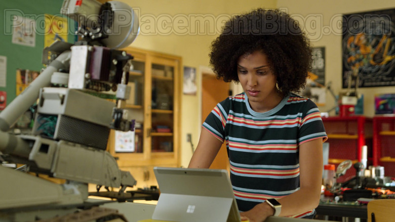 Microsoft Surface Tablet of Lee Rodriguez as Fabiola in Never Have I Ever S01E03 … gotten drunk with the popular kids (2)