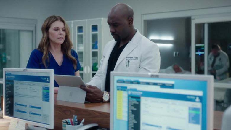 Microsoft Surface Tablet of Morris Chestnut as Barrett Cain in The Resident S03E20 (1)