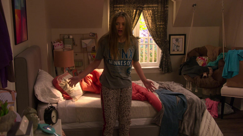Minnesota Lynx Basketball Team T-Shirt of Reylynn Caster as Lola in The Big Show Show S01E02 (2)