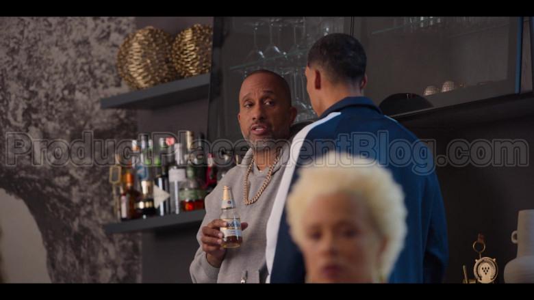 Modelo Beer Enjoyed by Kenya Barris in #blackAF S01E05
