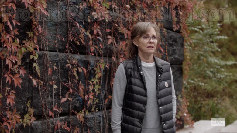 Moncler Vest of Sally Field as Janice in Dispatches from Elsewhere S01E09 (2)