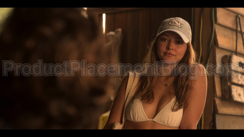 New Era CN Cartoon Tework Cap of Madelyn Cline as Sarah Cameron in Outer Banks S01E03 (1)