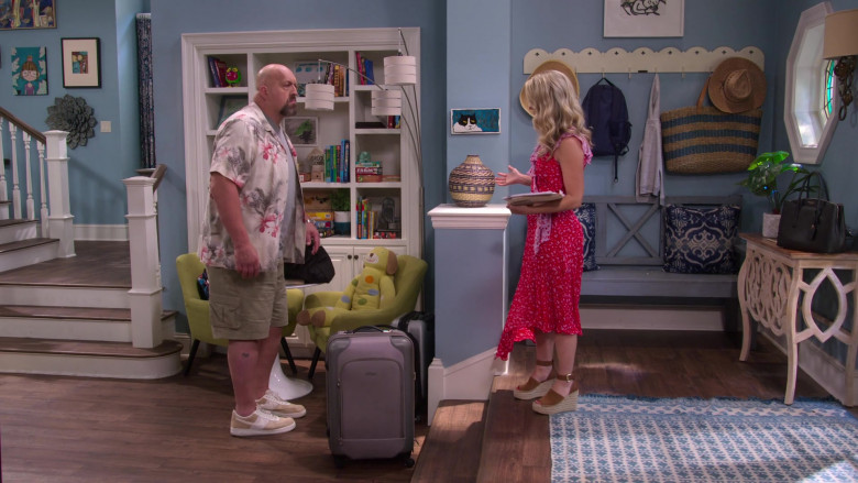 Nike Beige-White Shoes of by Paul Wight in The Big Show Show S01E06 (1)