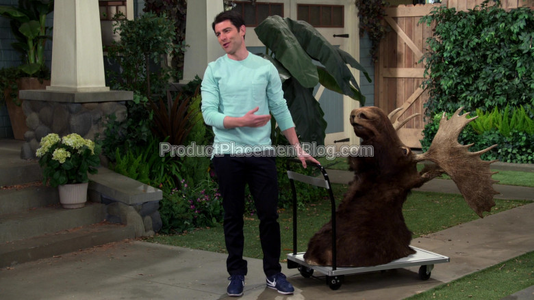 Nike Blue Sneakers of Max Greenfield as Dave Johnson in The Neighborhood S02E20 (3)
