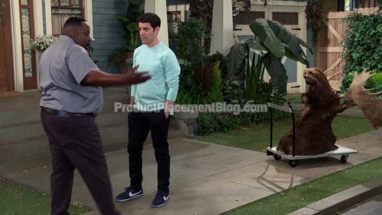 Nike Blue Sneakers of Max Greenfield as Dave Johnson in The Neighborhood S02E20 (4)
