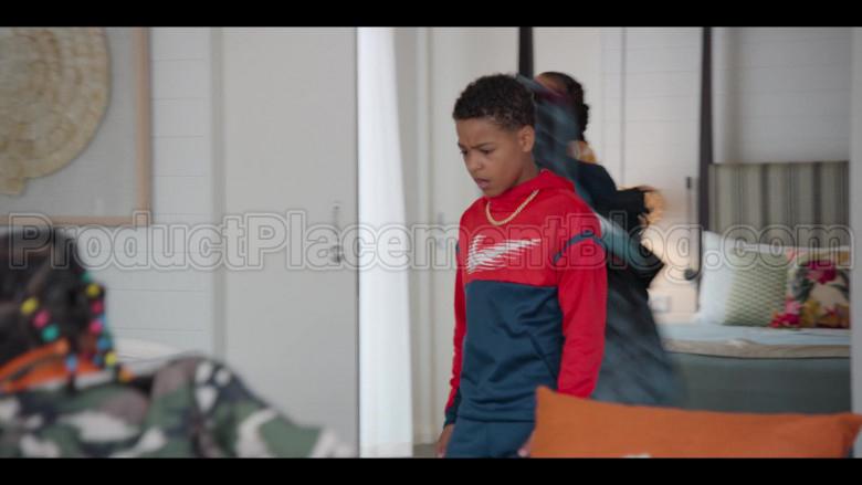 Nike Boys Hoodie in #blackAF S01E07 (2)
