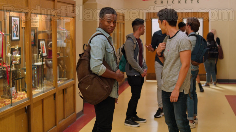 Nike Brown Backpack in Never Have I Ever S01E06 … been the loneliest boy in the world (2020)