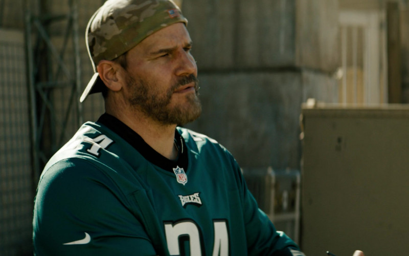 Nike NFL Philadelphia Eagles Jersey of David Boreanaz in SEAL Team S03E17 (3)