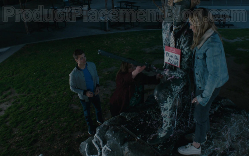 Nike Sneakers of Meg Donnelly in American Housewife S04E18 (1)