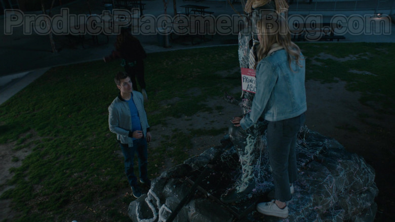 Nike Sneakers of Meg Donnelly in American Housewife S04E18 (2)