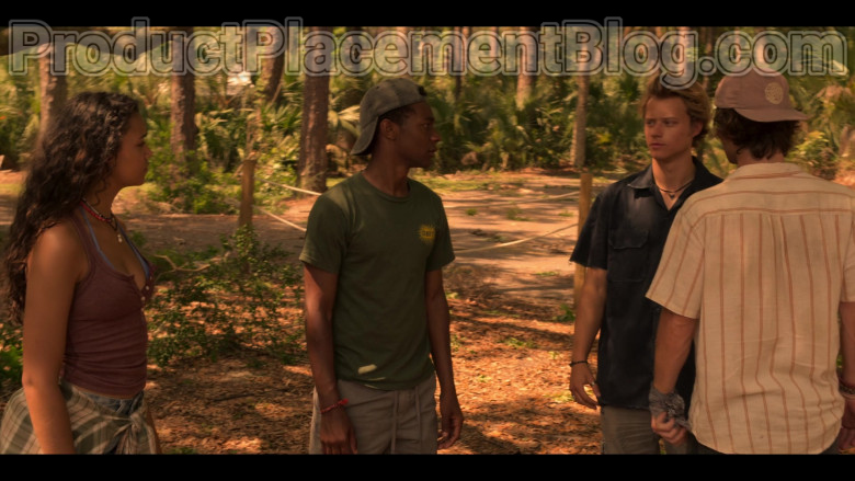 Obey Green T-Shirt of Jonathan Daviss as Pope in Outer Banks S01E02 (3)