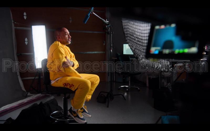 Off-White Sweatshirt, Sweatpants and Nike Shoes of Kenya Barris in #blackAF S01E04