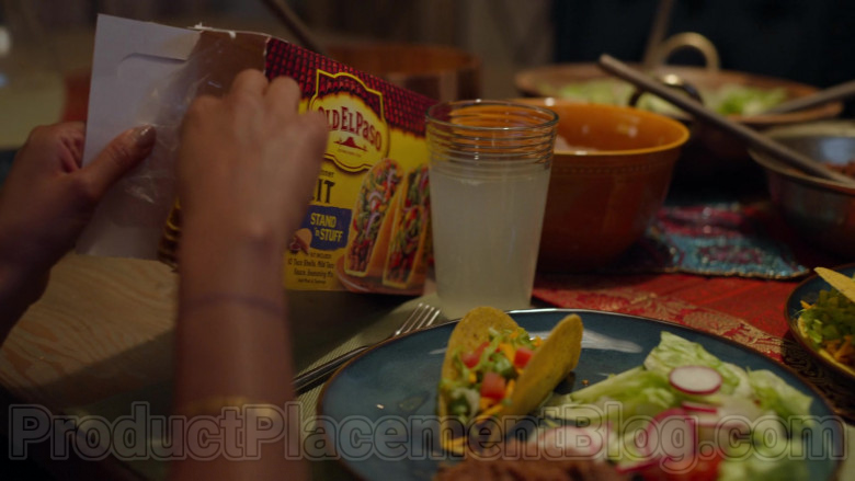 Old El Paso in Never Have I Ever S01E02 (1)